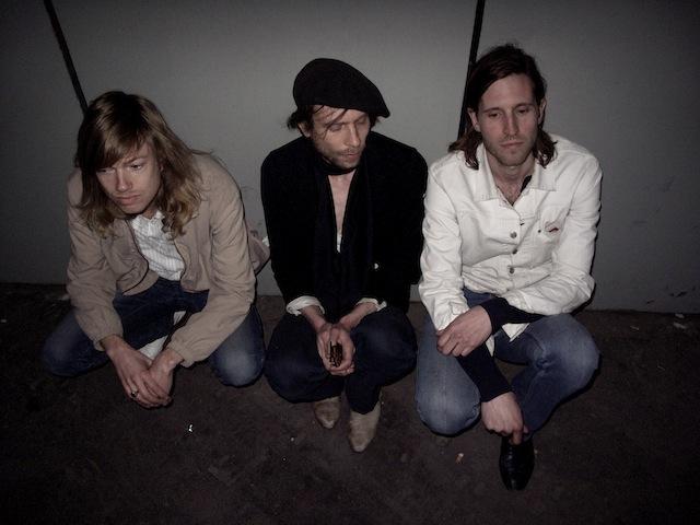thieveslikeus-band-photo-paris-2010